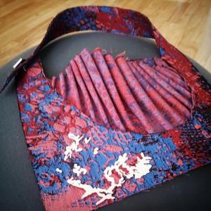 cafc981fb Colar Quadrado em Tecido com aplique em Prata e fecho em Abotoadura - Fernanda  Yamamoto - Gargantilhas - Feminino - Loja Online