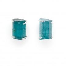 Brinco Solitário Turmalina azul bruta em Ouro branco 18k - Patricia Centurion